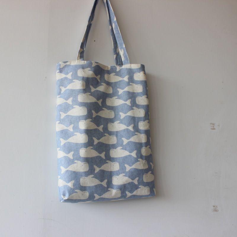 Brandneue handgemachte Baumwolle Leinen wiederverwendbare Einkaufstasche Tragetasche Print Wale hellblau D02