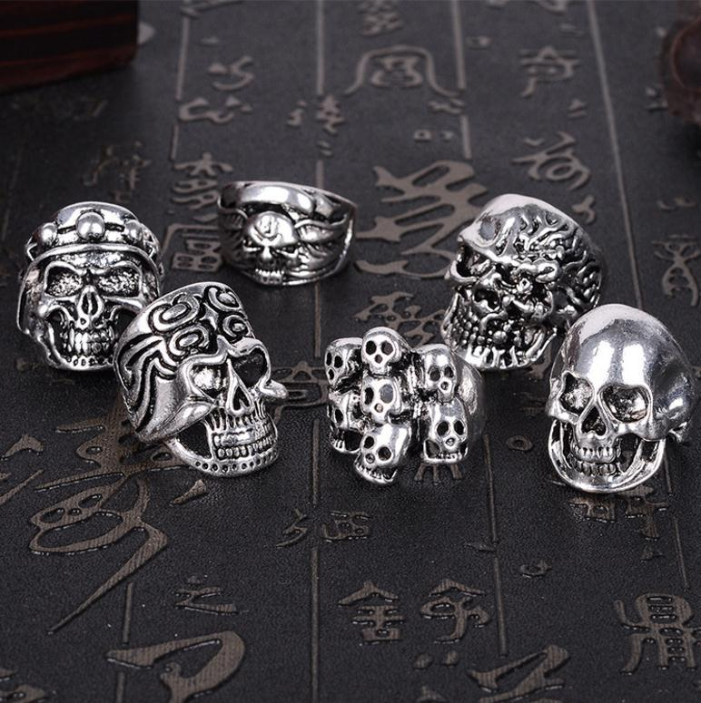Ретро готическое кольцо большого черепа резное панк-стиль Bulk анти-серебряная леди / мужская религия религии ювелирные изделия