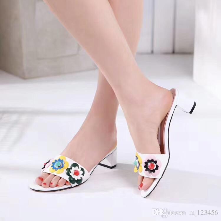 2018 frauen floral hausschuhe weibliche flip flops blumen hausschuhe Echtes Leder sandalen Camellia Jelly Schuhe strand schuhe High heels 4,5 cm