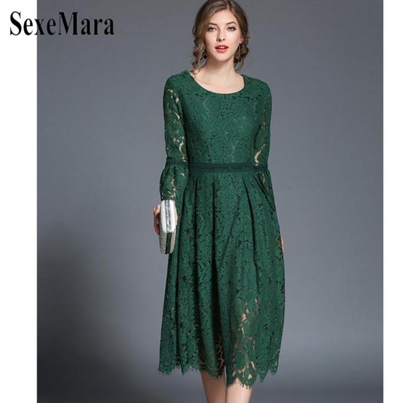 3e5cc033b2977 SexeMara 2018 Han Queen Women Lace Dress High-End Ladies O-Neck stitching  Runway Vintage Female Slim Sexy Party Dresses