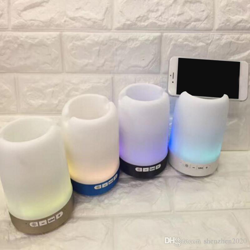 Беспроводной Bluetooth динамик держатель ручки телефон кронштейн динамик карты U диск с красочными огнями мини портативный небольшой звук Q6 2018