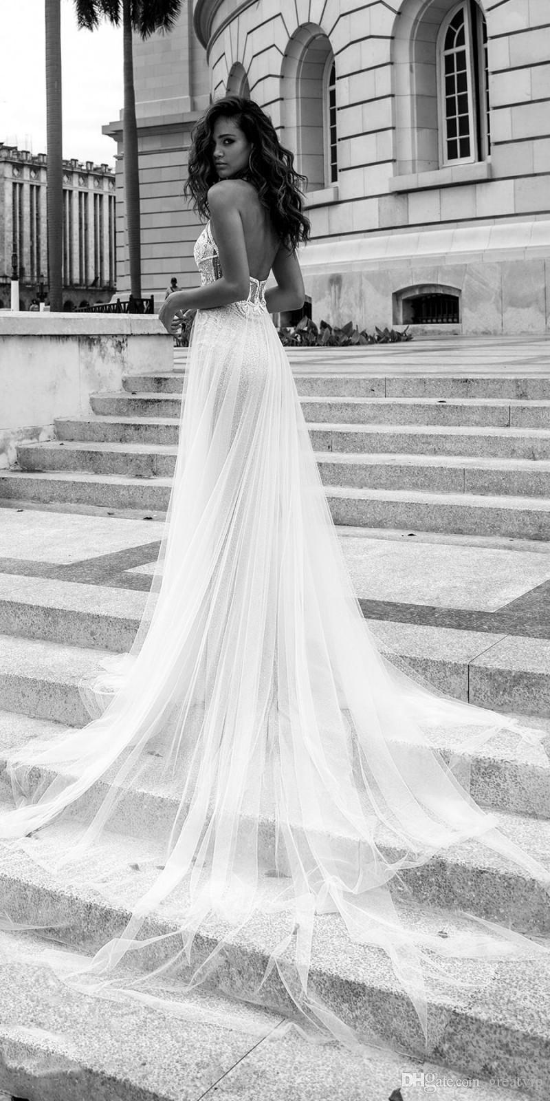 2019 Julie Vino Beach Abiti da sposa Backless Halter Neck Illusion Lace Applique Boho Abiti da sposa Sweep Train Tulle Abito da sposa