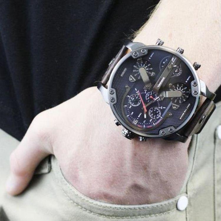 c8afb0f9cb0 Compre Novos Homens Relógios De Luxo Marca Watch Mercado 53mm Moda Dz7314  7313 Mens Relógios Relógio De Quartzo Montre Homme Masculino Relógio De  Pulso ...