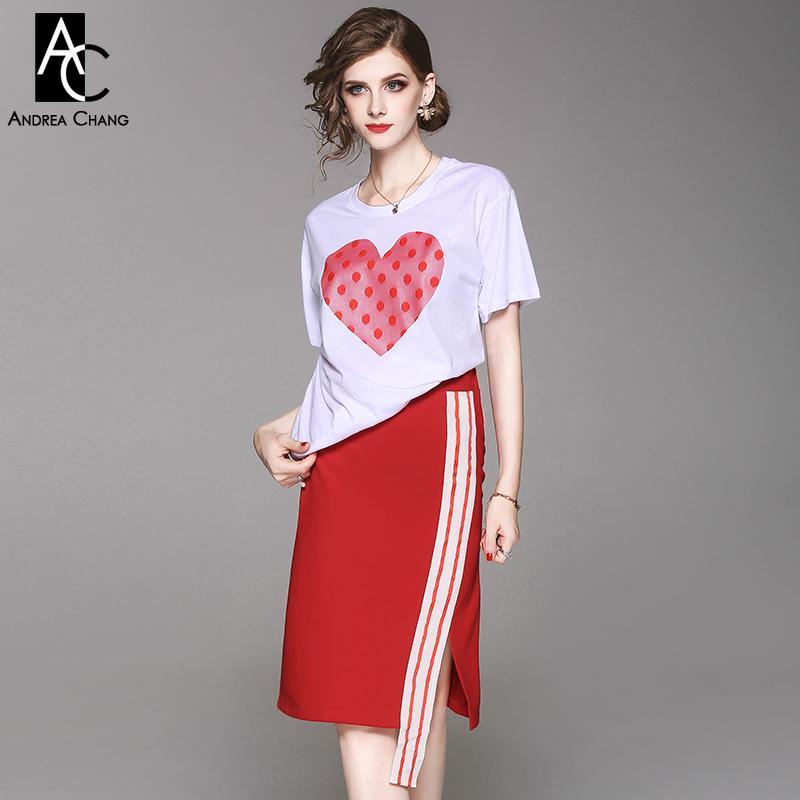 2c00a2a3dedcc Compre Ropa De Mujer De Primavera Verano Conjunto De Punto Rojo Corazón De  Color Rosa Estampado De Pecho Pecho Camiseta Blanca Tira De Cinta Blanca  Falda ...