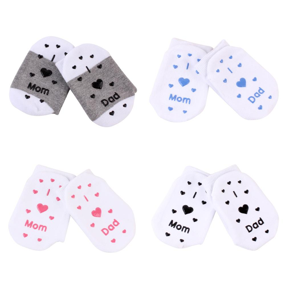 Lovely Baby Mom Dad Letter Socks Newborn Toddler Infant Sock Kids Love 0 3T Birthday Gifts Girls Boys Warm 4 Styles 300 AAA1302 Cool Guys Fun