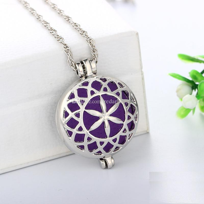 Vintage Aromatherapy Perfume Essential Oils Diffuser Necklace Locket Necklace Pendant Dream Catcher Filigree Necklace Jewelry For Girls