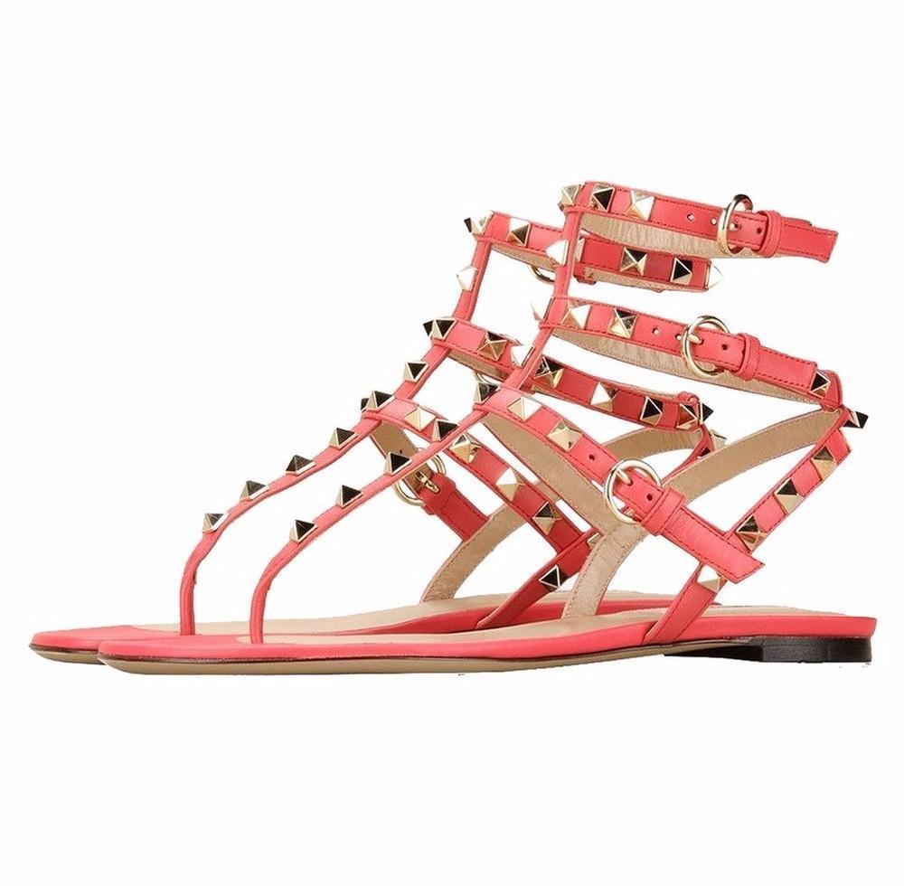 Nouveau mode Buckle-strap Chaussures pour femmes Sandales d'été Gladiator Studded plat avec des rivets Femmes Chaussures Sandales pour femmes
