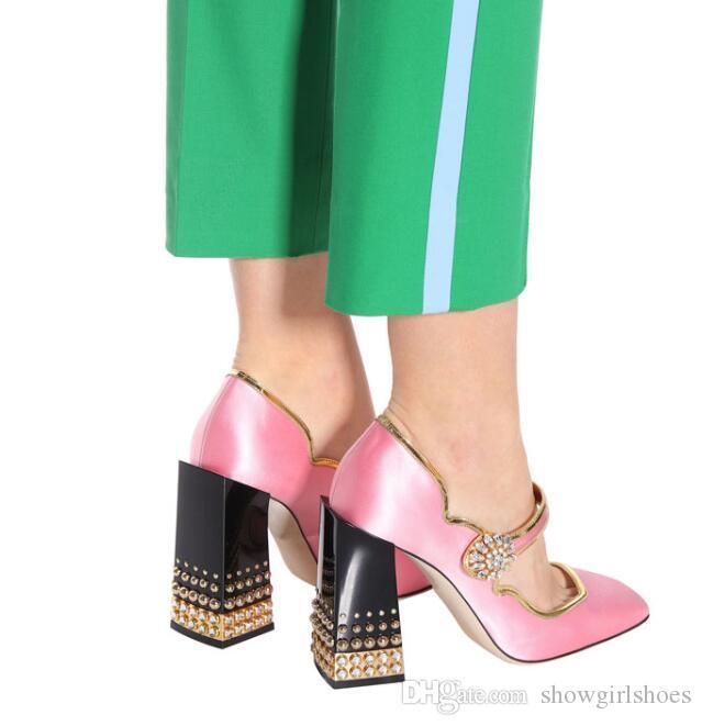2018 الوردي الحرير عالية الكعب الكاحل إبزيم حزام النساء مضخات رصع برشام بلوك الكعوب النساء أحذية بلينغ كريستال الزفاف أحذية الزفاف