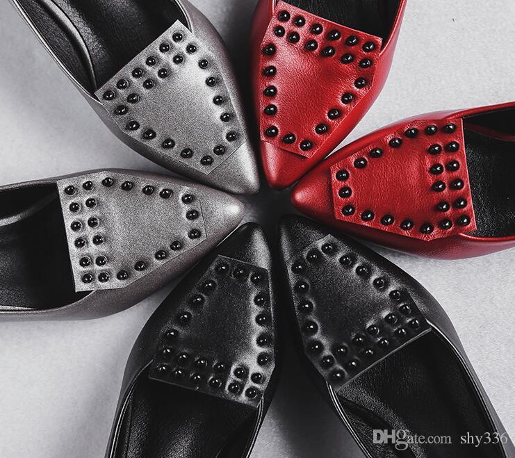 Venda quente Moda Cinderela Rebites apontou dedos sapatos documentais Planas Rhinestone chunky calcanhar sapato de couro sapatos de casamento da dama de honra