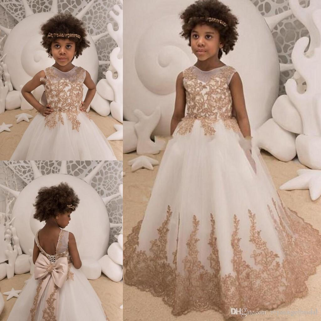 d53a35f92e0 2019 Flower Girls Dresses Jewel Neck Champagne Lace Appliques Sweep Train  Bow Princess Long Birthday Kids Child Litter Girls Pageant Gowns Girls  Formal Wear ...