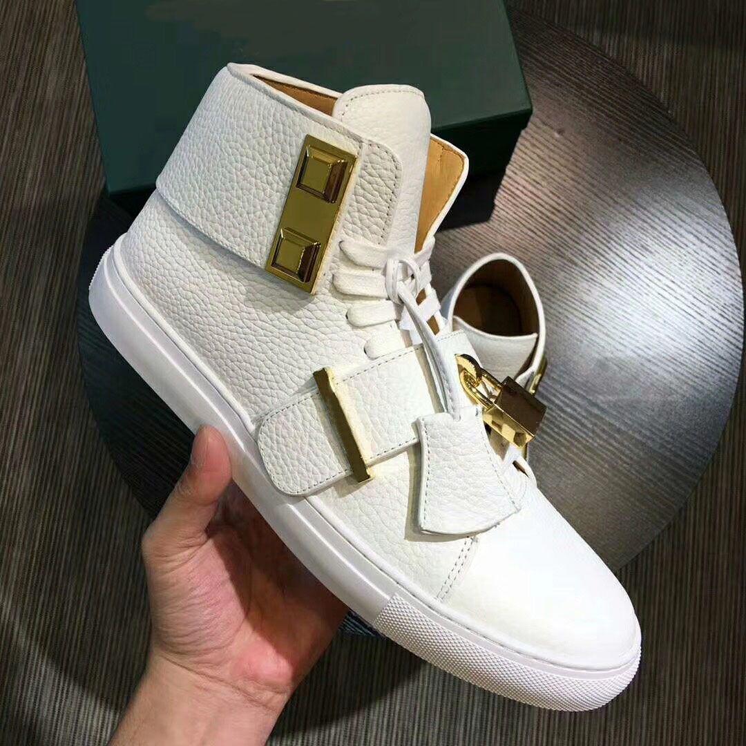 Nouvelle vente chaude 2018 hommes en cuir véritable sneakesr mâle serrures métalliques haut top casual sport chaussures de course chaussures de marque de luxe taille 38-46