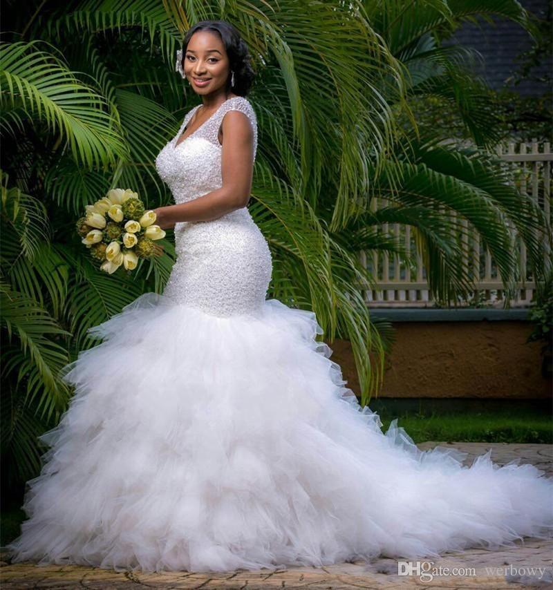 Арабский стиль Плюс Размер Свадебные платья 2020 Глубокий V шеи Бисероплетение Layers Русалка Свадебные платья Часовня Поезд зашнуровать назад Пляж Свадебные платья