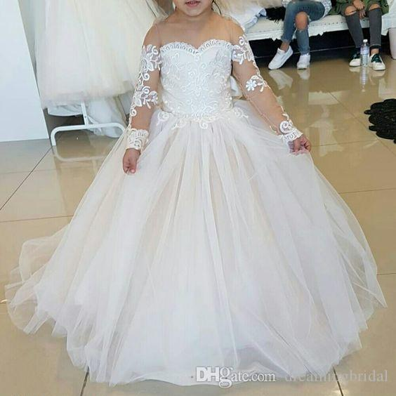 Blumen-Mädchen kleidet 2018 jetzt lange Hülsen-Bogen-Spitze Applique-Schaufel-Ansatz Boden-Länge Fowergirl Kleid für Hochzeits-Kleid-Mädchen-Kleid an