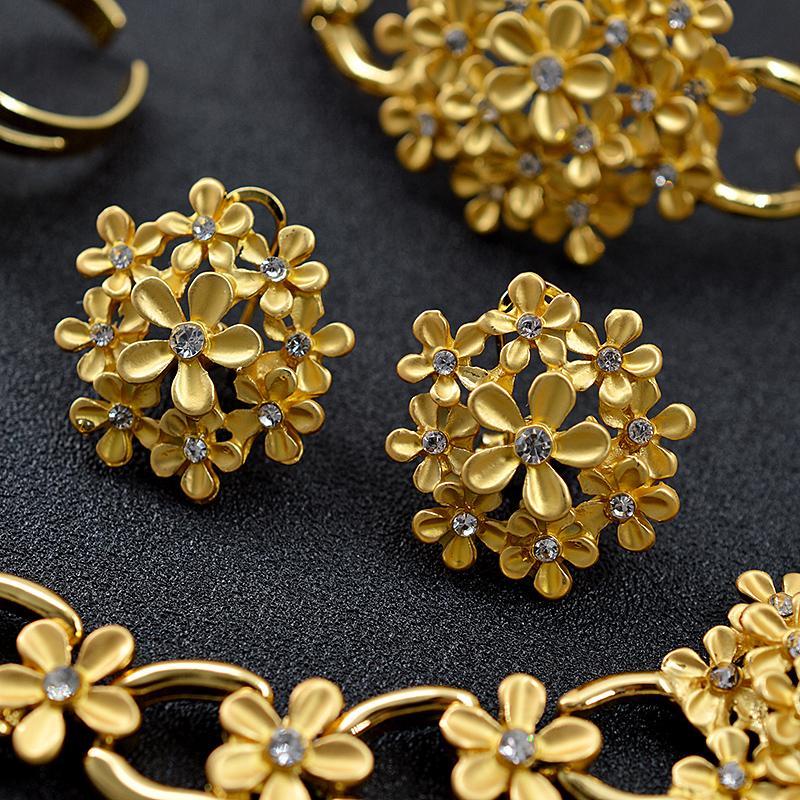 Kadınlar Kolye Küpe Yüzük Bilezik Güneşli Takı Romantik Takı Taşlı Yuvarlak Çiçek Gelin Takı Seti Düğün