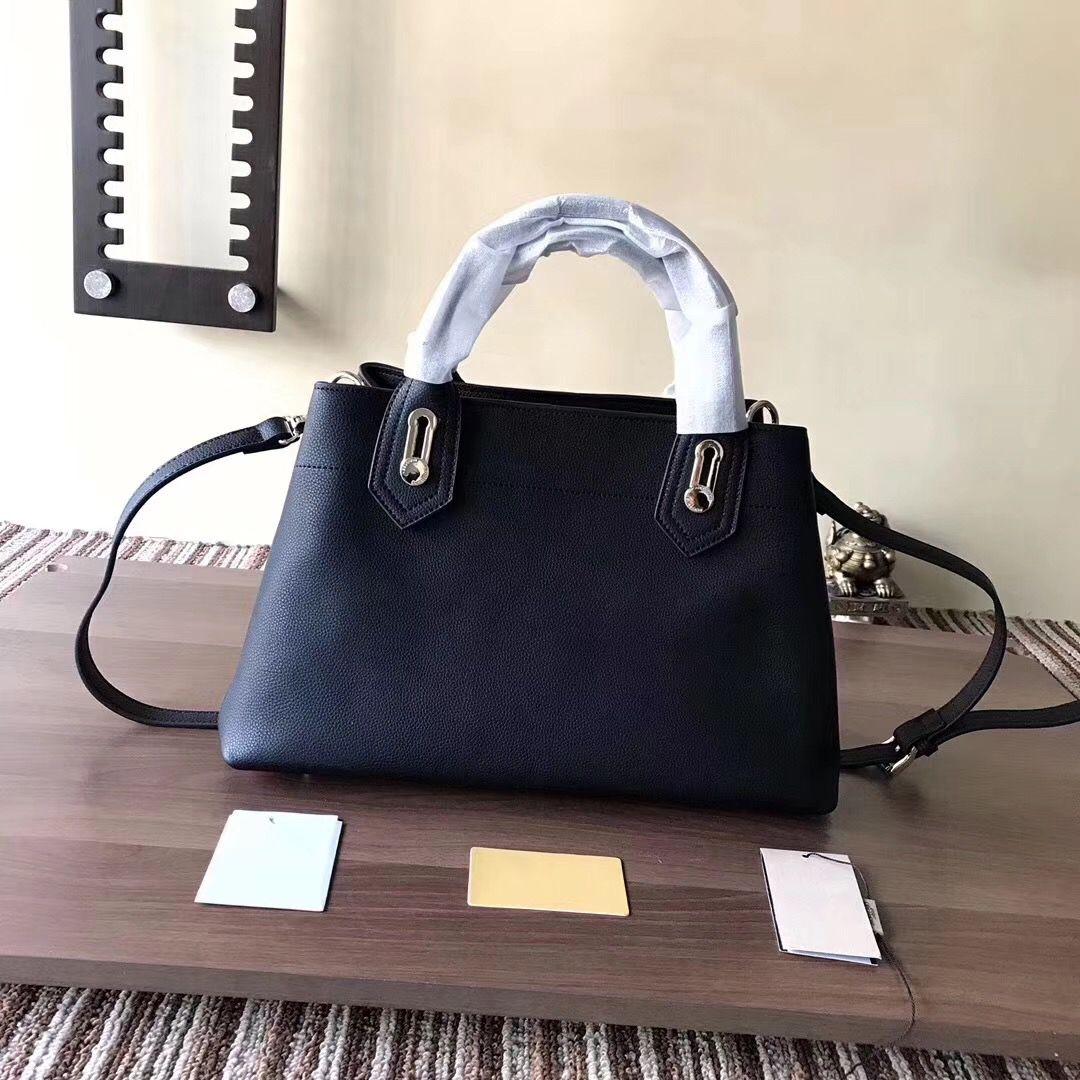 8ec65a5e84619 Großhandel Handtaschen 2018 Marke Mode Luxus 40130471 Designer Taschen  Berühmte Frauen Umhängetasche Bagsdesigner Top Schicht Korn Rindsleder  Größe  37cm ...