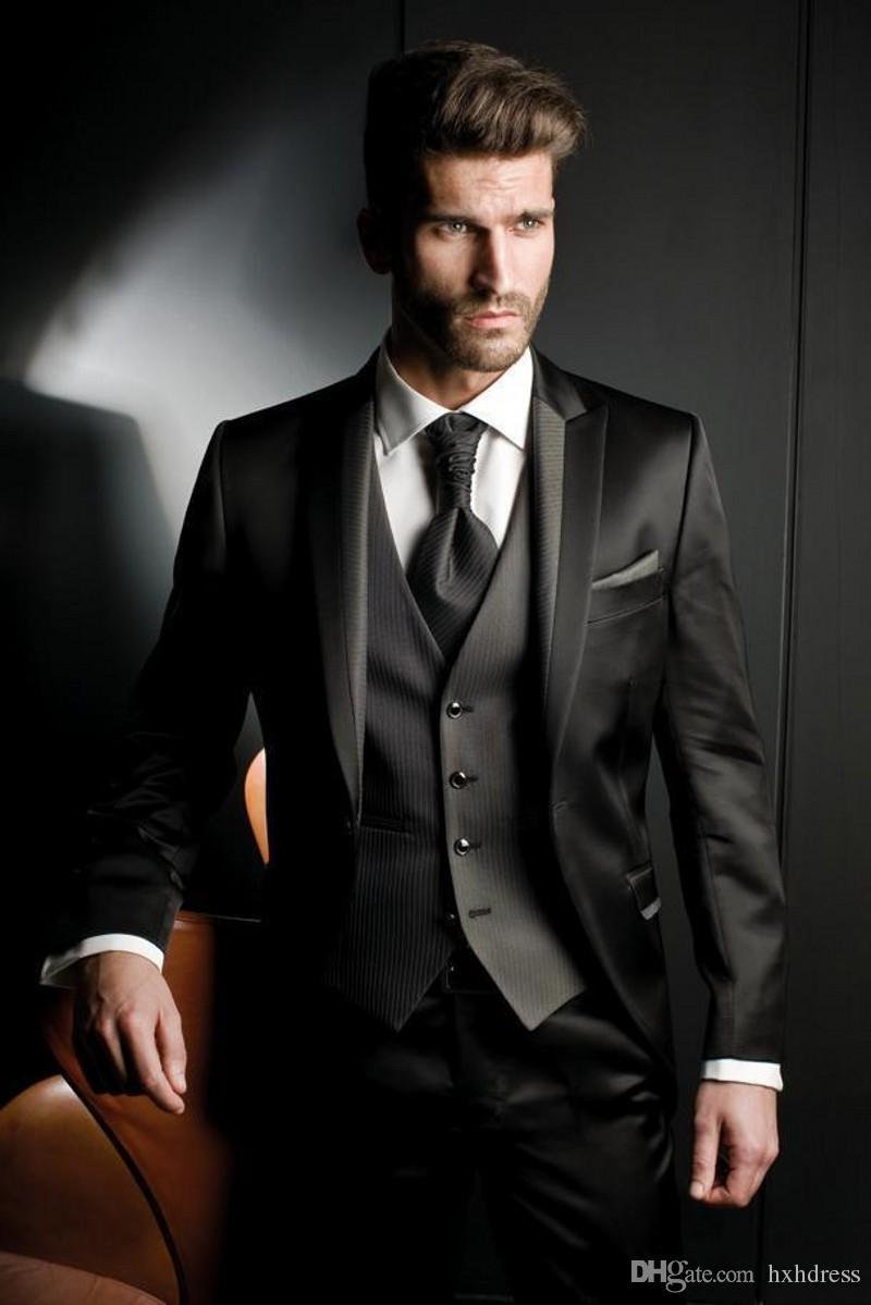 Nach Maß Balck erreichte Revers-Bräutigam-Smoking drei Stücke Jacke + Vest + Pants Männer-Hochzeits-Anzüge formale Mens-Anzüge für Geschäft Abschlussball-Partei