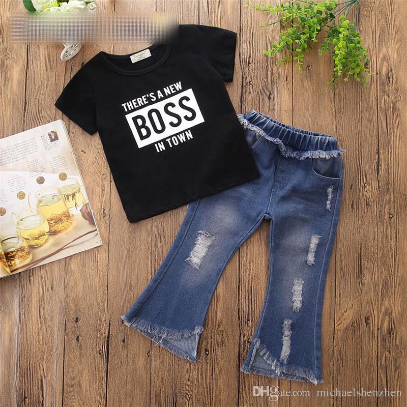 Girls INS BOSS set 2018 nueva camiseta de moda para niños + Jeans rasgados conjunto de 2 piezas traje para bebés niños ropa B001