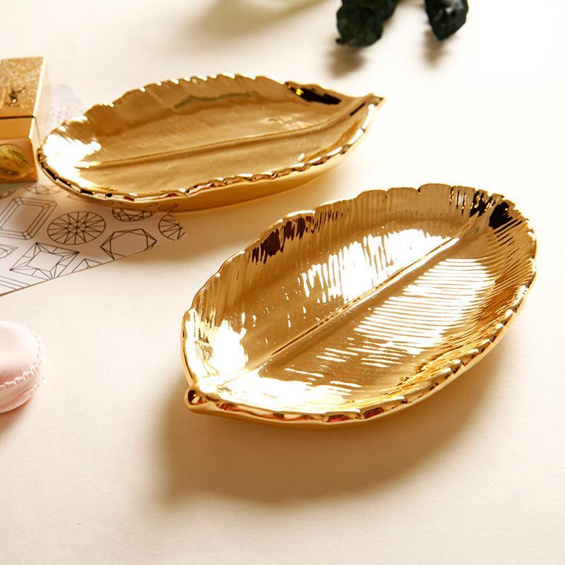 47c982778622 Bandeja de la torta de oro de la hoja plato de estilo vintage joyería de  cerámica plato de 3,5 pulgadas para hornear barra de caramelo decoración ...
