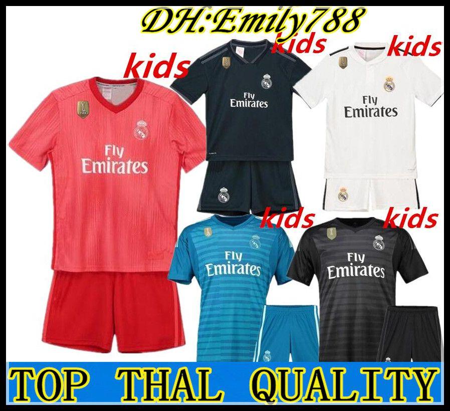 76b98cc3f Großhandel 2019 Kinder Kit Real Madrid Fußball Trikot 2018 19 Heim Auswärts  Torwart Junge Fußball Trikots ISCO ASENSIO BALE KROOS Kind 3.