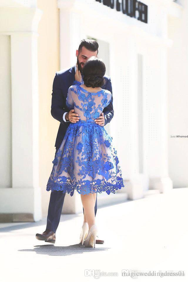 2017 Azul Royal Sheer Mangas Compridas Lace Vestidos de Noite Colher Na Altura Do Joelho Uma Linha Curto Homecoming Vestidos de Festa Vestidos de Baile Vestidos BO9853