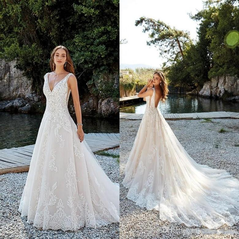 Discount Modern Backless Wedding Dresses 2018 New Sweep Train V Neck
