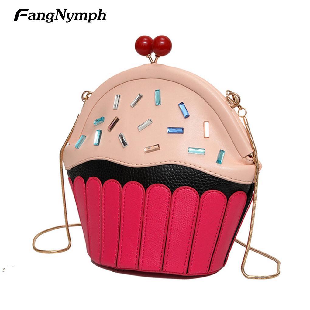 Compre 2018 Novo Pequeno Bolo Cupcake Forma Das Mulheres Sacos De Ombro Dos  Desenhos Animados Do Sexo Feminino Bonito Pu Couro Mensageiro Saco De  Embreagem ... 047d6d85bf8