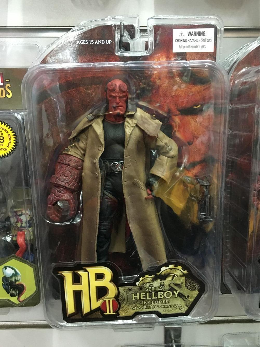2019 Mezco Hellboy 2 Styles Pvc Action Figure Collectible Model Toy