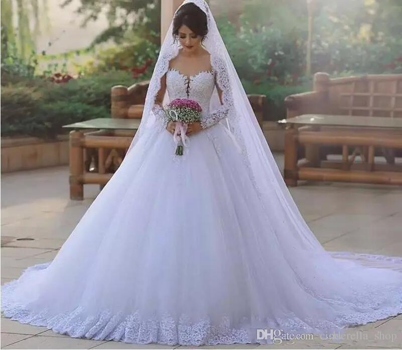 2018 Árabe Vestido De Baile Branco Vestidos De Casamento Manga Longa Ilusão Bodice Apliques De Cristal Frisado Chapel Train Igreja Vestidos de Noiva Barato