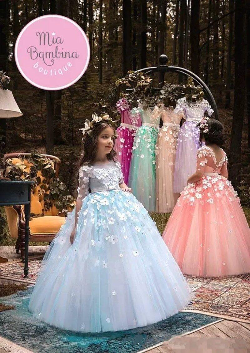 2018 Light Blue Sheer a maniche lunghe Tulle A Line Flower Girls Abiti 3D floreali in rilievo Little Girls Pageant Dresses Formal Wears