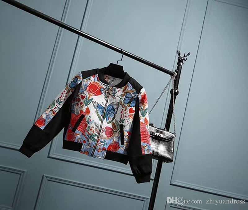 Compre Jaqueta De Grife Casacos Mulheres 2018 Borboleta Bordada Mulheres  Casacos Mangas Compridas Decote Jaqueta Outerwear Casacos De Roupas  Femininas De ... 12b8bb2aa18