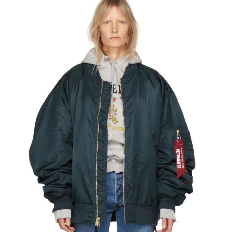 b8ee99c9b 18FW Vetements Oversize Bomber Jacket Chic Cotton Clothes High Quality  Ulzzang Winter Men And Women Lovers Jacket HFSSJK025