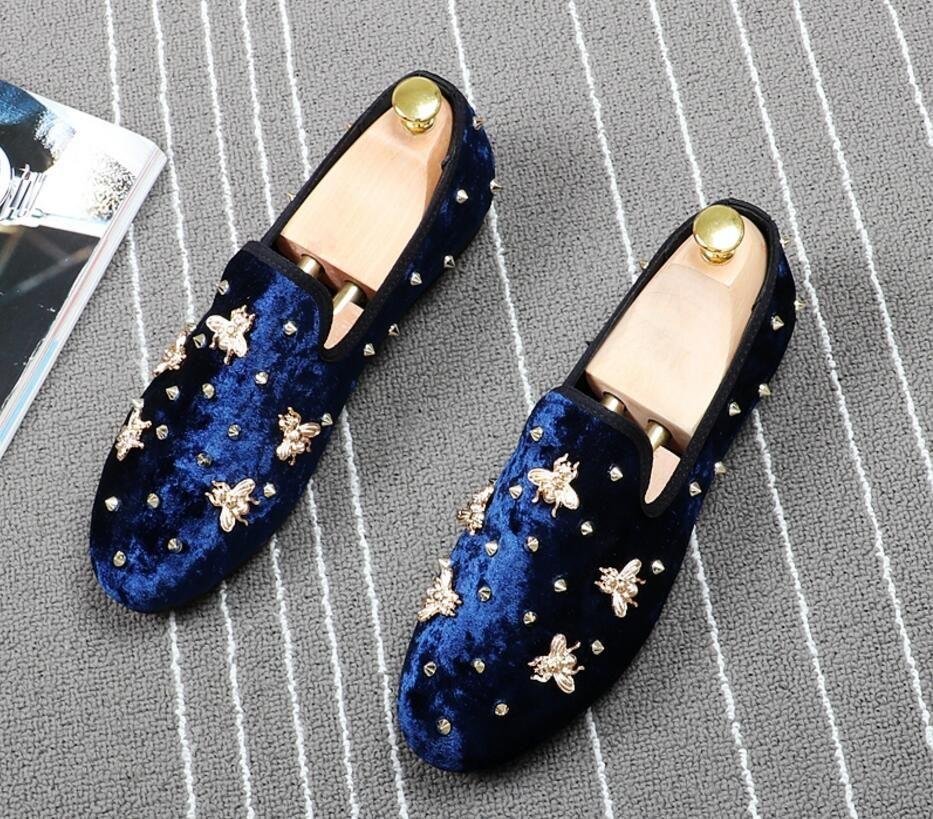 comprar popular 8b20d aaf6b Los más nuevos hombres de terciopelo de la moda visten los zapatos bordados  mocasines del dedo del pie resbalón en los zapatos ocasionales planos ...