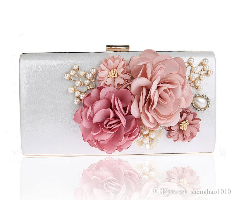 2019 New Handmade Fabric Flowers Evening Bag Luxury Wedding Bride Clutch Bag Pearl Party Handbag Mini Purses Wallet