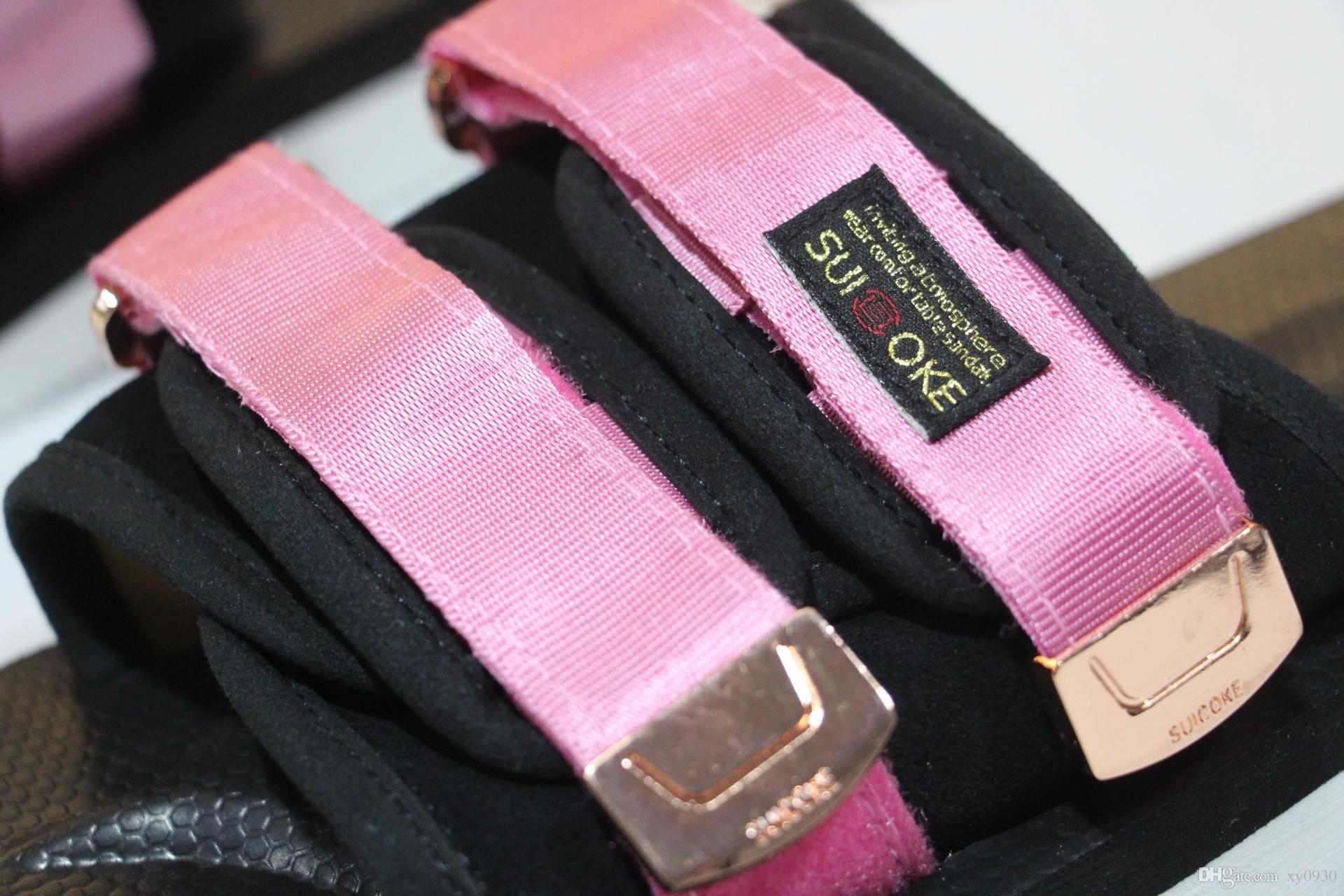 Nouvel Arrivé Top Qualité Rouge CLOT X SUICOKE OG-056STU MOTO-STU Été Trip Fest Noir Soie Coulissante Sandale Sandale SUICOKE KISEEOK-044V Pantoufles