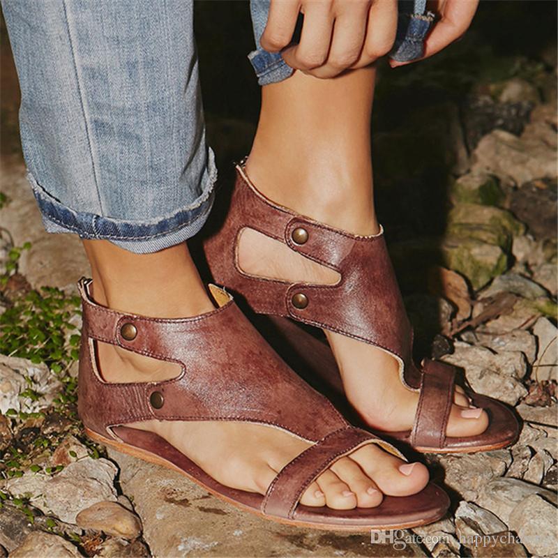 2d93c0199e7545 Acheter Femmes Sandales En Cuir Doux Gladiateur Sandales Femmes Casual Chaussures  D'été Femmes Plat Sandales Zip Plus La Taille 35 43 Plage Chaussures ...
