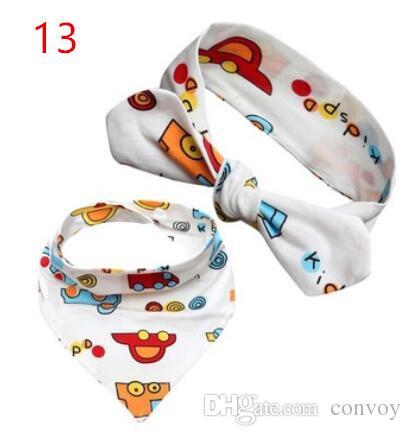 INS chaud Set / bébé nourrisson triangle Bandana bavoirs dessin animé bavoirs burp chiffons pur coton double couche bavoirs bandana écharpe avec bandeaux KSF20