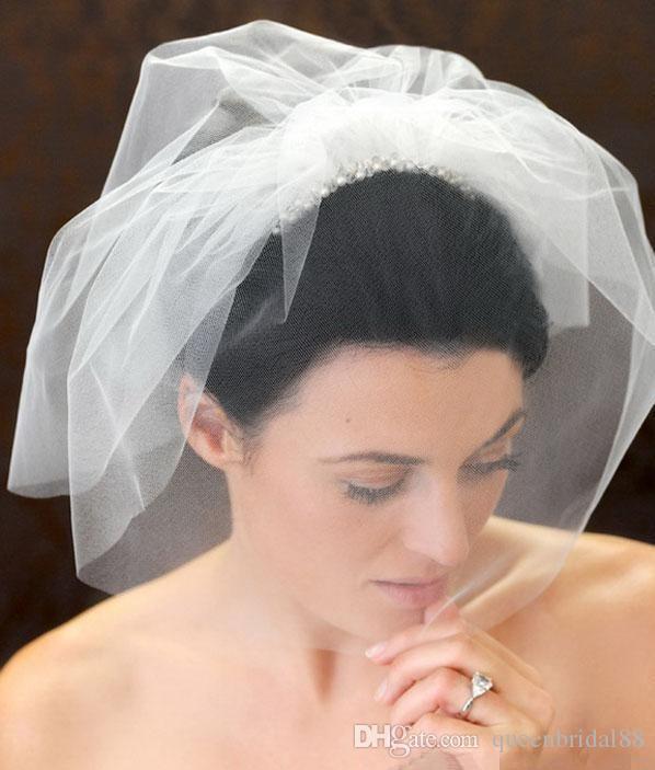 New 2019 Short Bridal Wedding Veils Cut Edge with Comb Hair Accessories Blusher Veils Hot Sale