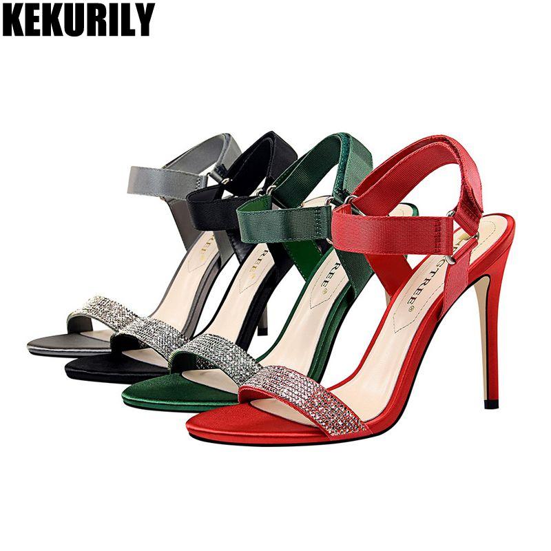 56c023ac1a Compre Sapatos De Mulher Gancho Loop Sandálias Verão Rhinestone Slides De  Salto Alto Moda Peep Toe Bombas Zapatos Mujer Preto Vermelho Verde Cinza De  ...