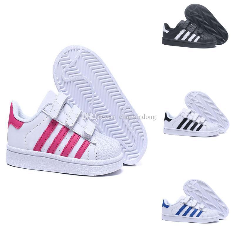 1eeacbc993d Compre Adidas Superstar Crianças Superstar Sapatos Meninos Meninas  Sapatilhas 2018 Primavera Outono Inverno Nova Chegada Moda Super Estrela  Adolescente ...