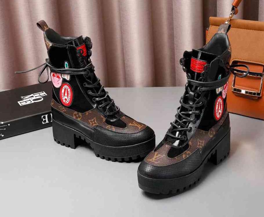 8382cee45fbfa Großhandel Frauen Counter Mode Shorts Stiefel Motorrad Stiefel Designer  Fashion Boots Marke Leder Damen Schuhe 35 40 Von Sanxun5, $125.63 Auf  De.Dhgate.