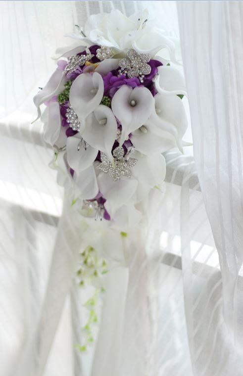 2018 de gama alta de encargo blanco Calla Lily Rose púrpura hortensia bricolaje perla cristal broche gota ramo nupcial