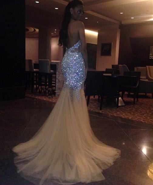 Robes De Bal De Sirène Sexy Longues 2019 Bling Perles Cristal Halter V Cou Voir à Travers Les Robes De Soirée Arabe Robes Pageant