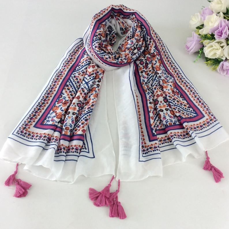 Agradável Floral Impressão Lenço De Algodão Xadrez Borlas Scaeves Muçulmanos Hijab Xales Wraps Inverno 2017 Mulheres Cape