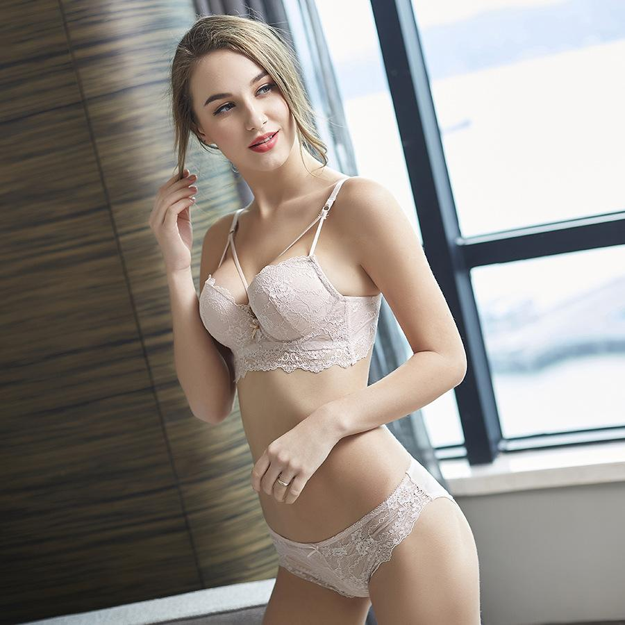 bbdcc338e 2019 Fashion Sexy Embroidery Bras Underwear Women Set Lace Lingerie Sexy A  B Cup Bra Panties Lace Bra Set From Ingridea