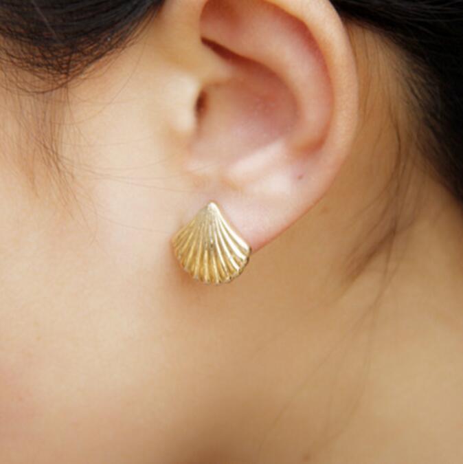 Timlee E050 Grace Fashion Shell Conch Simple Orecchini all'ingrosso
