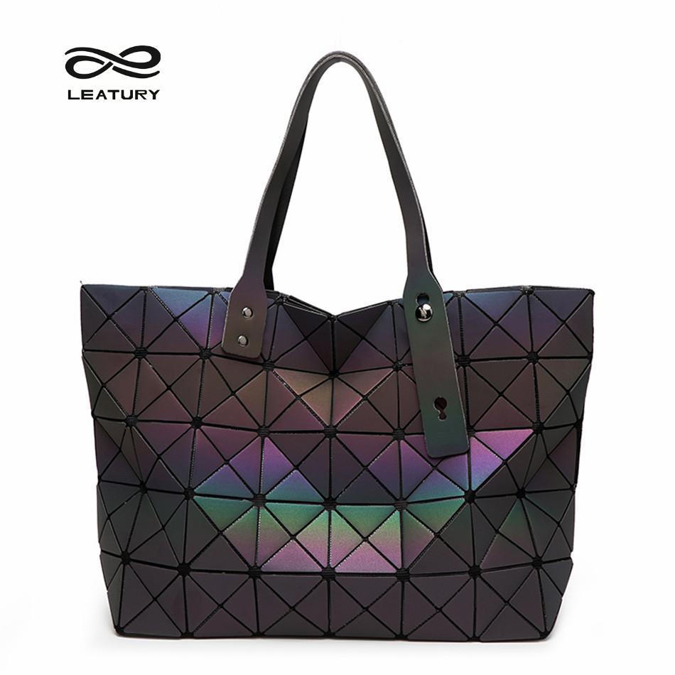 9b7f3907f2a7 Imbettuy Classic Female Handbags Serpentine Snake Pattern Designer Large  Tote Bag High Quality Retro Borwn Black