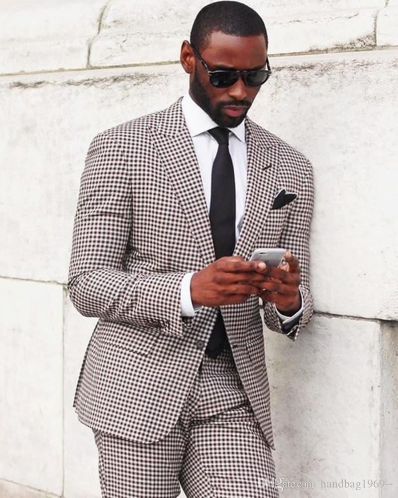 High Quality Two Button Groom Tuxedos Groomsmen Peak Lapel Best Man Blazer Mens Wedding Suits Jacket+Pants+Tie D:22