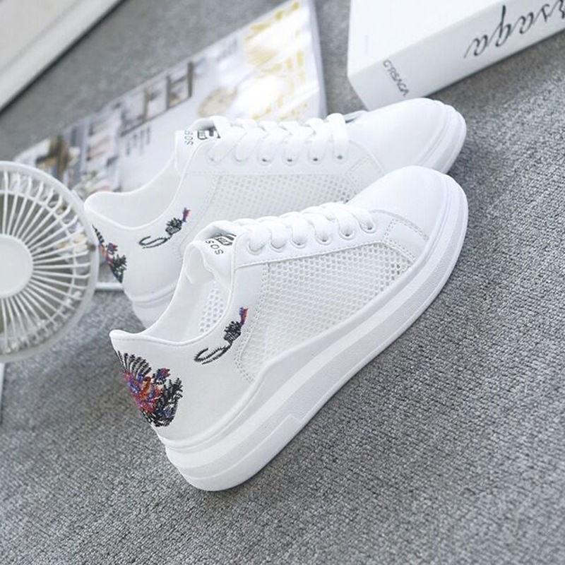d1ac78fb2 Compre 2018 Moda Sapatos Brancos Feminino Verão Casual Plataformas  Respirável Mulheres Sneakers Estudante Sapatos Zapatos Tenis Feminino De  Baifanchun, ...