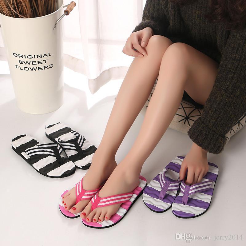 Atacado novos sapatos de Praia verão moda Lantejoulas de sola grossa chinelo Flip Flops das mulheres respirável casual Wide stripes chinelos plus size