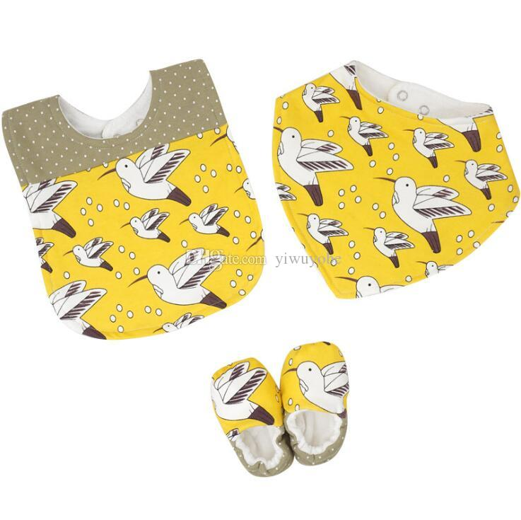 Hotsale INS set baby bandana bibs shoes tringle bibs feeding bibs burp cloths for infant boys and girls mix designs